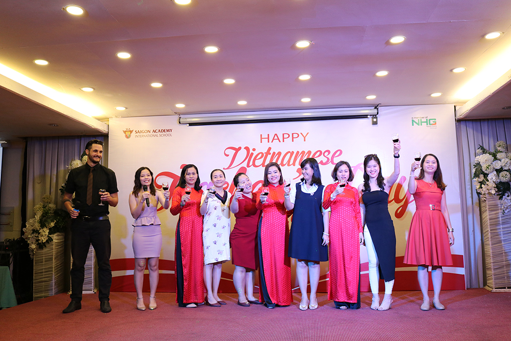 saigon-academy-happy-teacher-day-2.JPG