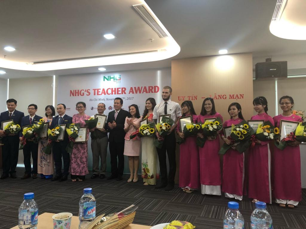 Teacher-Award-2.jpg