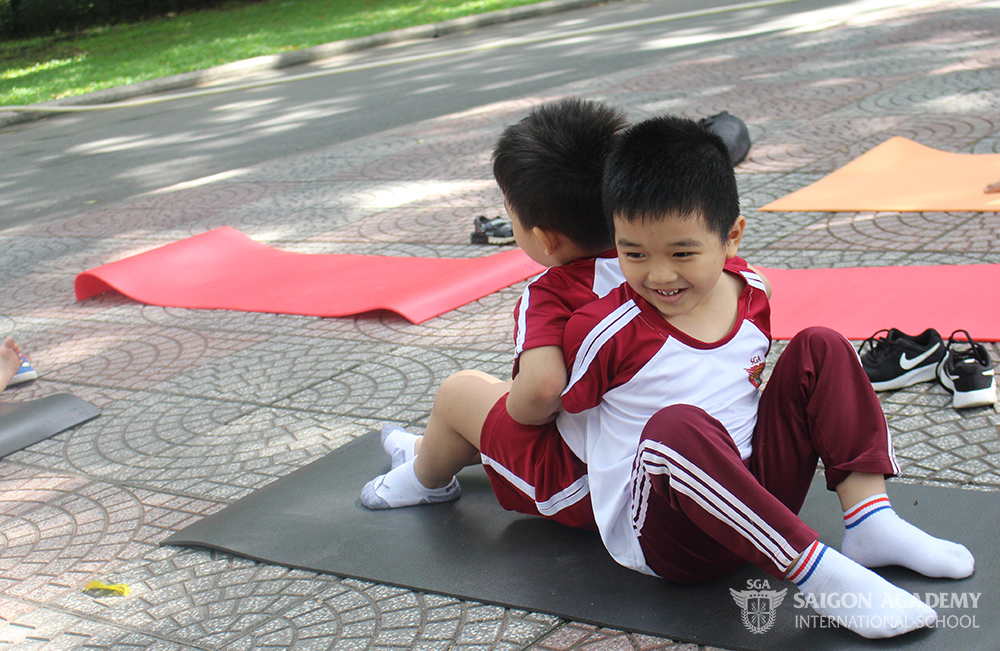 saigon-academy-summer-for-joy-yoga-2.JPG