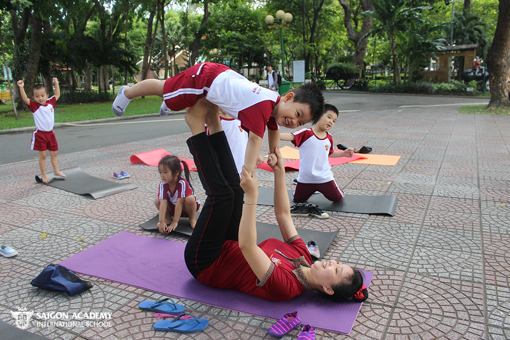 saigon-academy-summer-for-joy-yoga-5.JPG